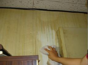 キッチン周りの壁面に吹き付けてビックリ?
